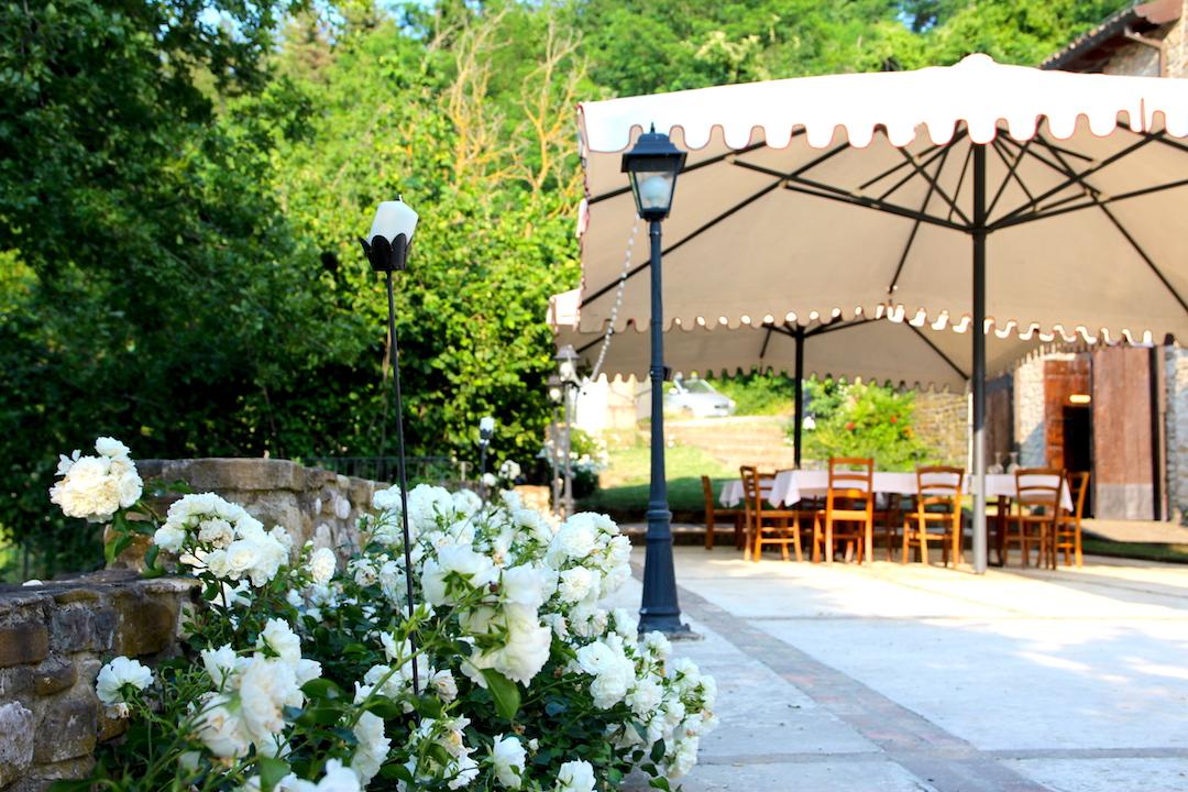 tavoli e ombrellone
